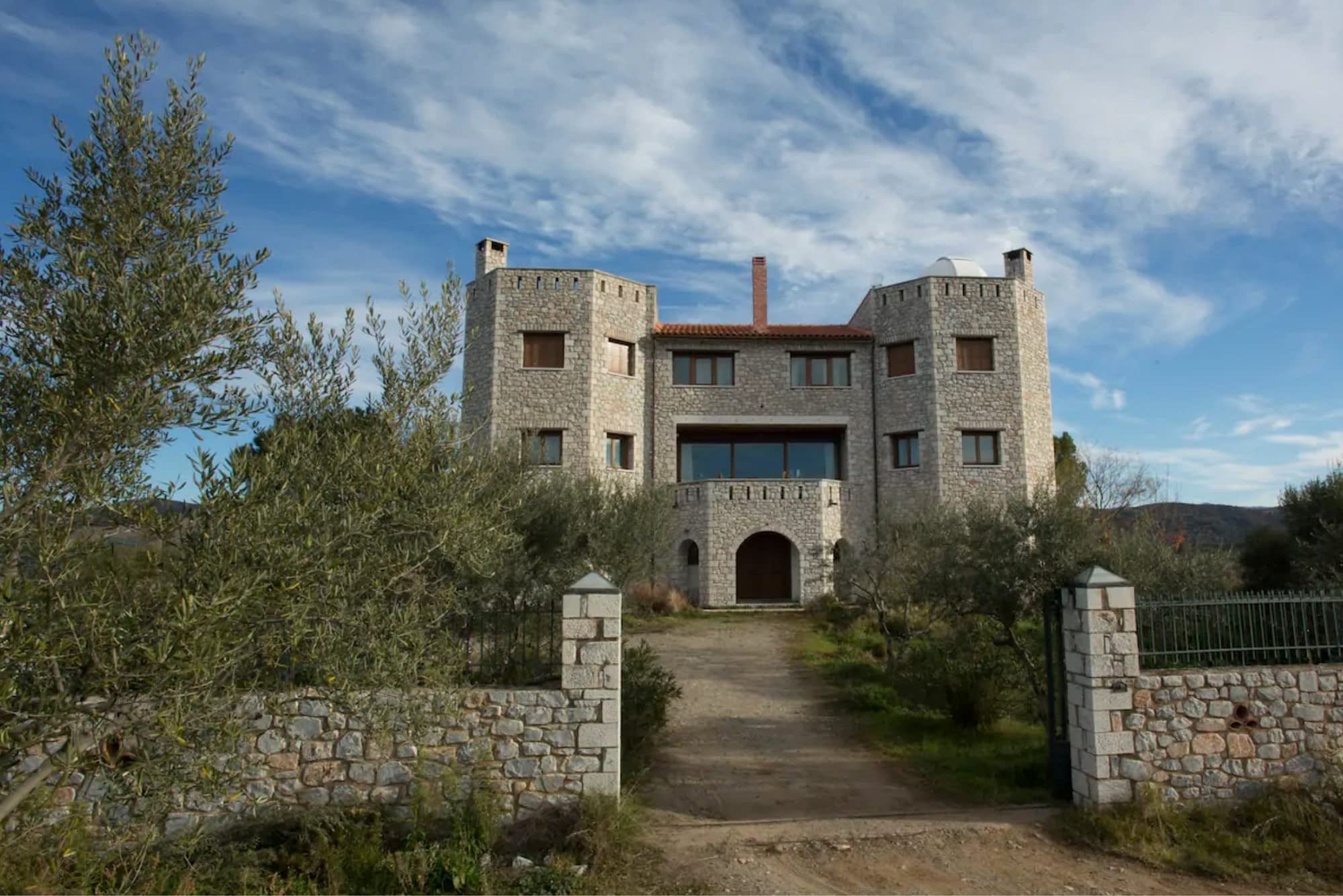Recording in this beautiful castle close to Sparta - view castle front | Hit The Road Music Studio | Mobile Recording Studio