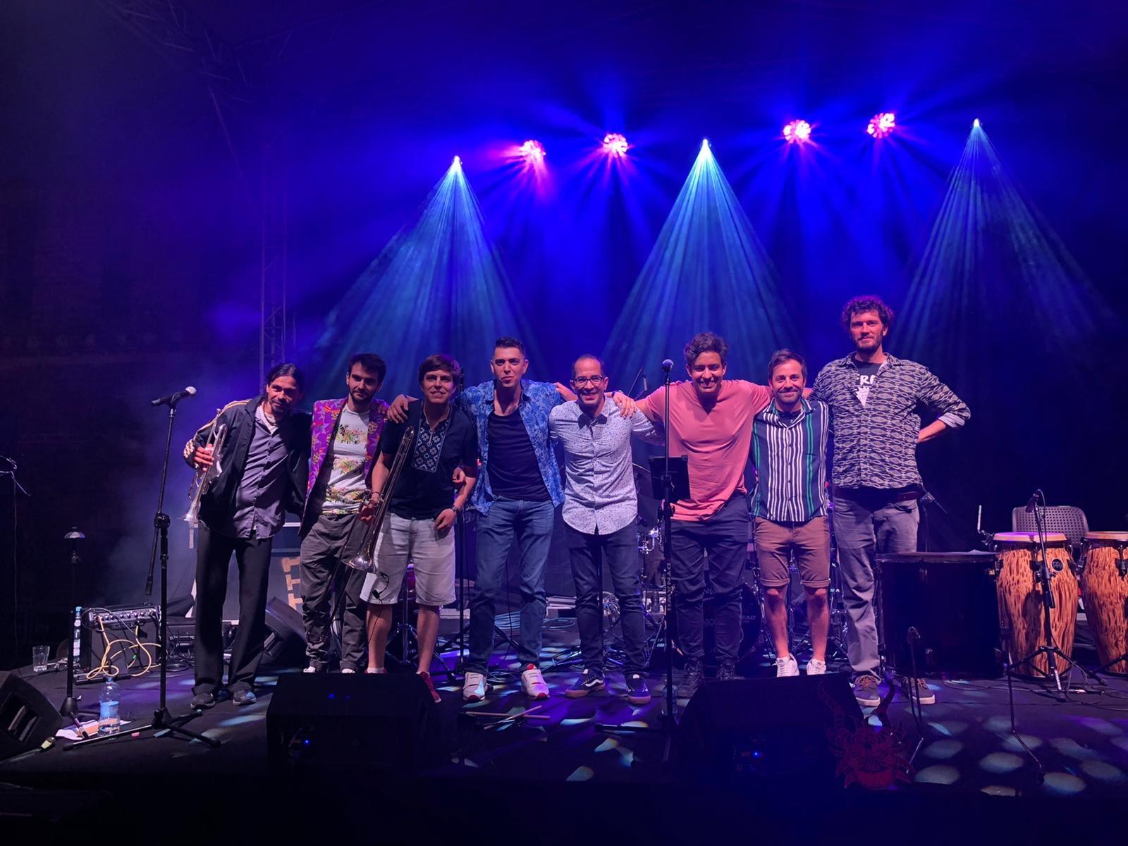 Cumbia Band Choque Sonidero | Hit the road music studio