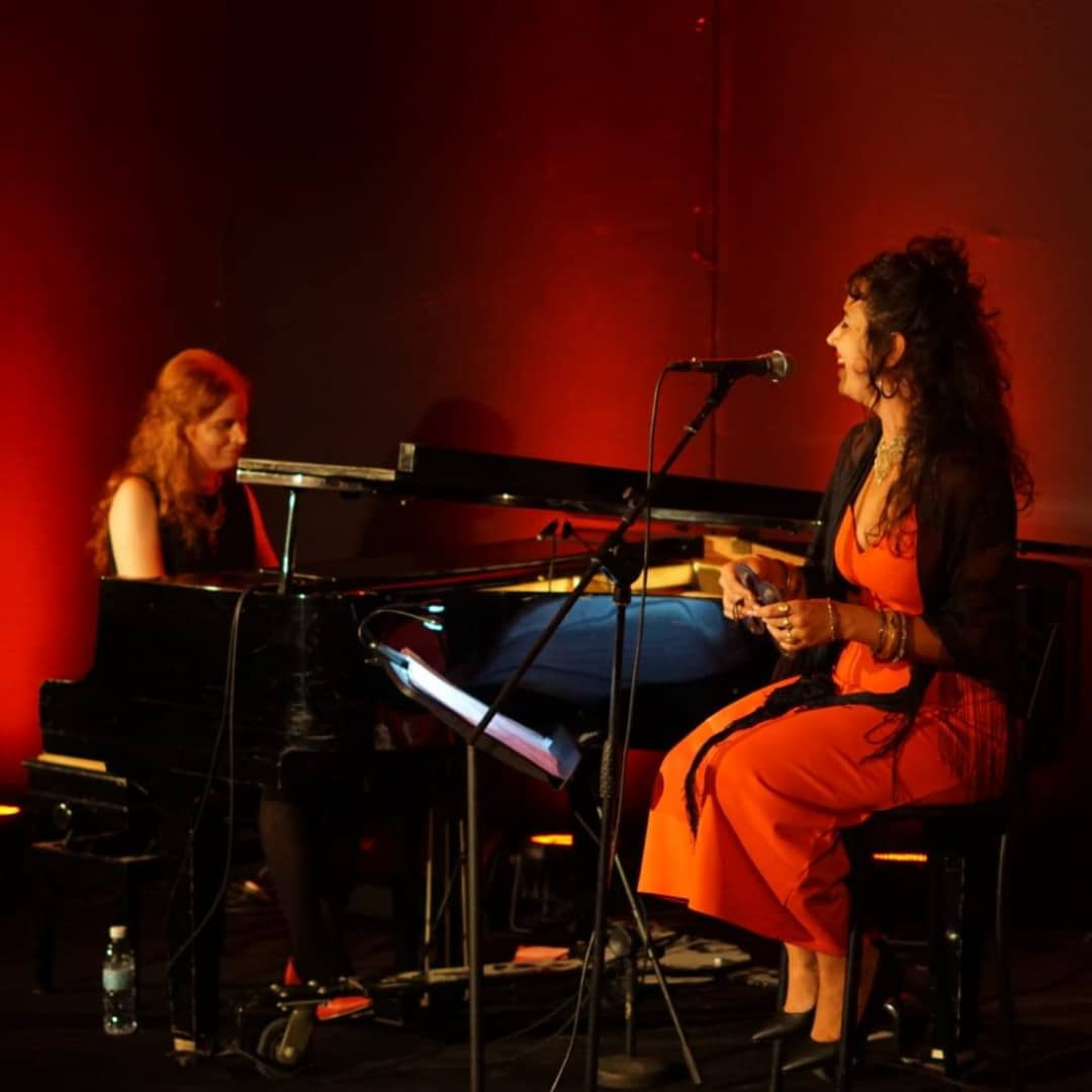Duet Lala & Darya on vocals and Piano | Hit the road music studio